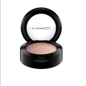 """MAC Eyeshadow """"Naked Lunch Frost"""" BNIB 💃🥰"""